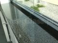 Ścianka szklana. Obróbka CNC przy oknie i parapecie.